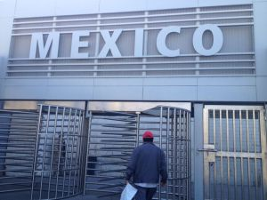 Entry to the Mexico Border, no so inviting looking