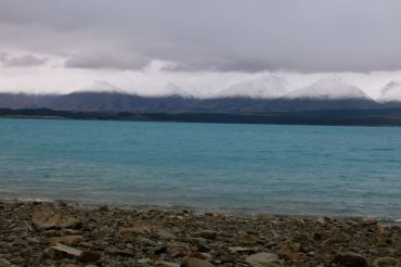 On the shore of Lake Pukaki wishing to see mountains on the other side