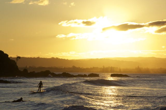 Last waves of the day, Wattegos Beach, Byron Bay
