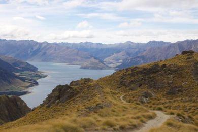Hiking Isthmus Peak, NZ