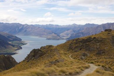 Hiking Isthmus Peak, NZ